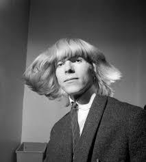 see iconic david bowie photos from ziggy stardust era david bowie