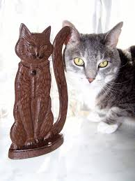 vtg charming cat cast iron decorative doorstop or bookend or home