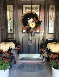 25 halloween front door décorations that you u0027ll love shelterness