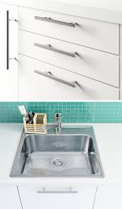 kitchen hardware ideas 8 kitchen cabinet hardware ideas for your home contemporist