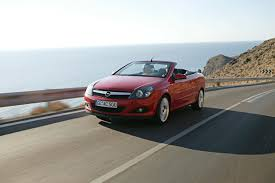 2006 opel astra twintop review top speed