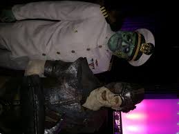 queen mary dark harbor introduces iron master at midsummer scream