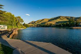 Sunnyside Lake House 2 Bd Vacation Rental In Chelan Wa Vacasa by Vacasa Rentals Chelan Wa Information