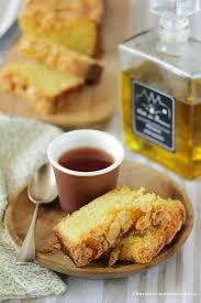 cuisiner à l huile d olive dans la cuisine de gâteau aux amandes et à l huile d olive
