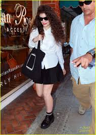 lorde nail salon stop before hollywood show photo 601537