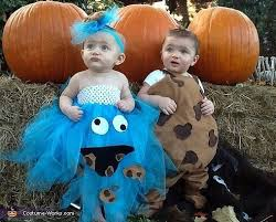 Cute Ideas For Sibling Halloween Costumes Halloween Costume Ideas For Pregnant Bellies Babies And Families