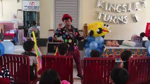 clown show for birthday party birthday party magic show in singapore mr polka s magic show
