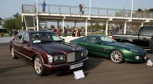 bentley arnage coupe file goodwood breakfast club bentley arnage and aston martin db7