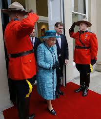 Queen Elizabeth Ii House by Queen Elizabeth Ii Arrives To Officially Reopen Canada House