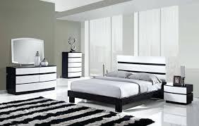 chambre a coucher blanc sols et tapis tapis moderne rayures chambre coucher noir blanc