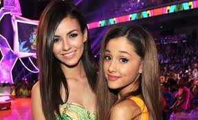 Naked Women Memes - a meme of victoria justice shading ariana grande stylecaster