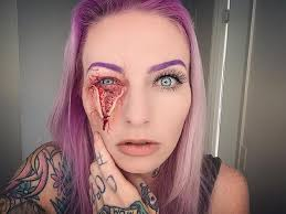 makeup artist this makeup artist will scare you to 15 pics bored panda