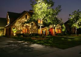 Led Landscape Tree Lights An Exle Front Yard And Trees With Low Voltage Home Lighting