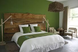 chambre en bois vos nids un matin dans les bois