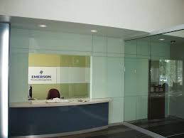 view the entire photo gallery for hillcrest glass office design