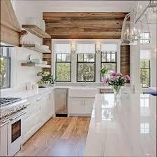 cuisine bois blanchi cuisine blanche et bois cuisine gris et bois en modueles variues