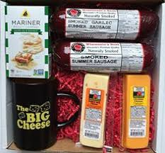 wisconsin cheese gift baskets organic wisconsin cheese gift box by cedar grove http