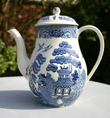 willow pattern jam pot wedgwood willow pattern coffee pot 1960s blue and white china