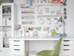 table chaise fille 1001 idées pour une chambre d ado créative et fonctionnelle