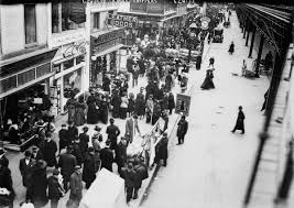 window shopping in new york city december 1910 flashbak
