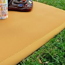 tapis extérieur pvc tressé moutarde 120 x 180 cm decoweb