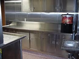 cuisine en metal le métal en cuisine ça cartonne le site decomanie com