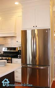 kitchen fridge cabinet remodelando la casa kitchen makeover