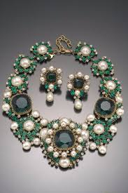 emerald earrings necklace images Vintage costume jewelry love balenciaga emerald green necklace jpg