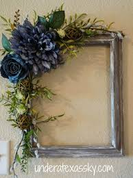 halloween picture frames picture frame wreath i like these colors for halloween maybe set