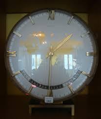 pendule de bureau pendule de bureau montrant l heure dans le monde signée kienzle