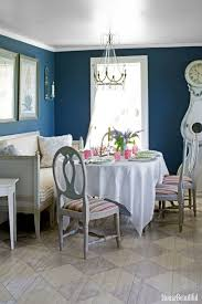 what paint color goes with oak cabinets dark blue kitchen walls