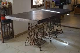 grande table de cuisine grande table de cuisine avec matériaux de récupération meubles et