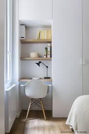 bureau dans placard desk office bureau un mini espace bureau optimisé comme un hôtel