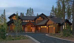 craftsman home plan luxury lakehouse 9046 4 bedrooms and 4 baths the house designers