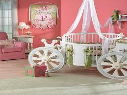 chambre de princesse pour fille lit lit bebe fille unique chambre de princesse pour bebe chambre