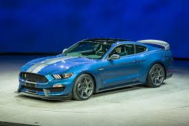 sky blue mustang 2016 ford mustang shelby gt350r features car