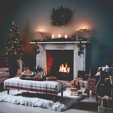 3 Stylish Mantel Displays Sainsbury Create A Traditional Christmas Look At Home Gold Color Scheme