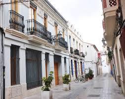 valencia nightlife guide benimaclet neighbourhood student guide beroomers blog