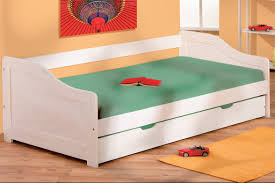 Birkenstock Beds by Making Beds Beautiful She Is Making Up The Beds Interesting Does