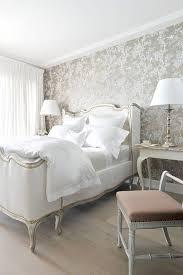 style chambre à coucher papier peint chambre a coucher adulte lit style classique gris