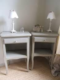 le de chevet ancienne paire de table de chevet ancienne patinée vert de gris patine et