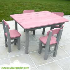 poubelle bureau enfant table et chaise fille table et chaise fille strawberry house