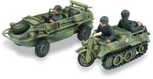 amphibious jeep ww2 amazon com lindberg 1 72 scale schwimmwagen amphibious jeep and