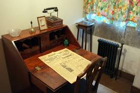Small Writing Desk With Hutch Ideas Alluring Writing Desks For Workspace Furniture Ideas