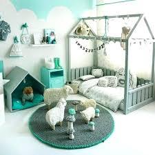 peinture de mur pour chambre couleur de peinture pour chambre enfant chambre enfant repeindre un
