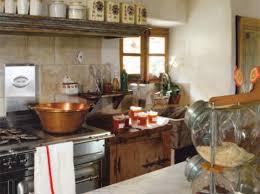 cuisines anciennes idée décoration cuisines anciennes