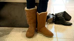 why are ugg boots considered how to spot avoid counterfeit ugg boots this shopping