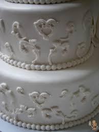wedding cake tutorial make me a cake half white half chocolate wedding cake tutorial