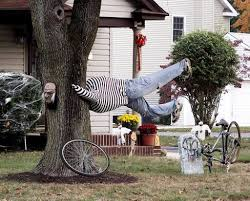 24 indoor u0026 outdoor tree halloween decorations ideas scary dolls
