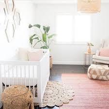comment disposer les meubles dans une chambre 5 idées déco pour agrandir et aménager une chambre de bébé